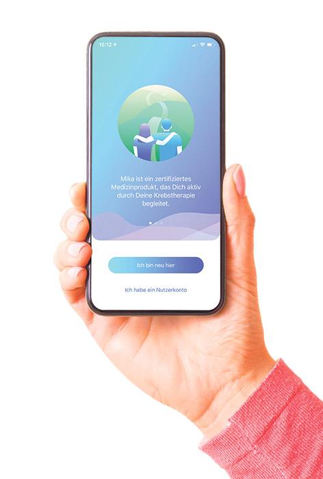 Hand mit einem Smartphone und der Mika-App